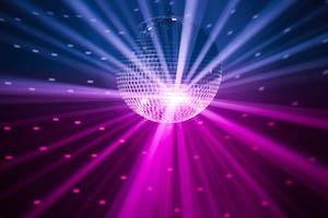 Discokugel und Lichttechnik